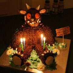 How to Make a Gruffalo Cake