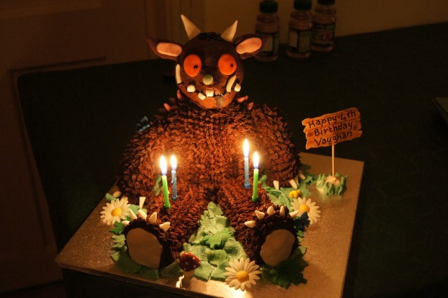 gruffalo food, gruffalo cake, www.toddlebabes.co.uk