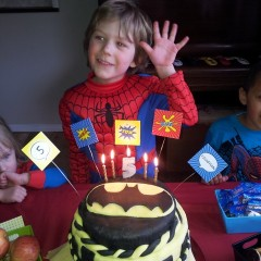 Marvelous Superhero Party Games and Decorations