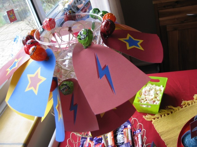 www.toddlebabes.co.uk, superhero party, superhero party food