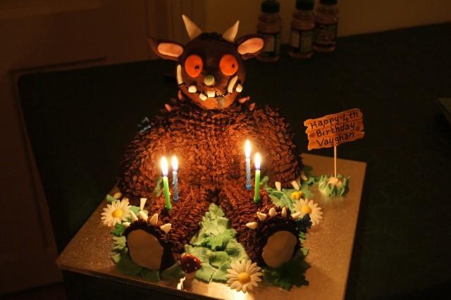 gruffalo food, gruffalo cake, www.toddlebabes.co.uk